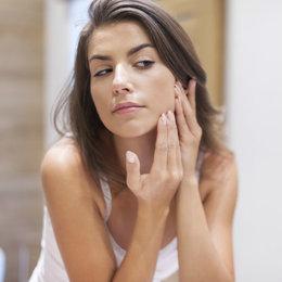 6 Mitos Mencuci Muka Yang Sering Menghantui