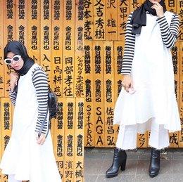 Inspirasi Gaya Kasual Dengan Dress Untuk Hijabers