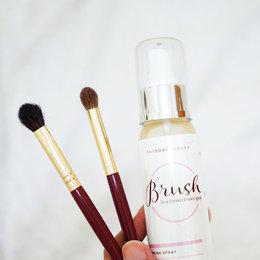 3 Jenis Natural Brush Cleanser Yang Wajib Kamu Coba