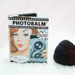 Review The Balm Photobalm Powder Foundation