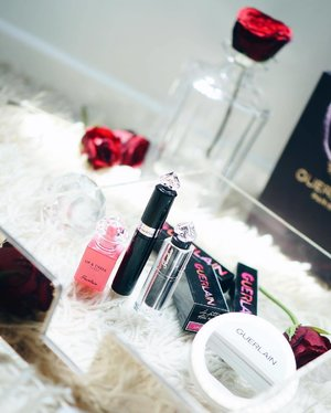 I'll always keep my beauty spirit high till the last petal falls... 🥀  Here are my takeaways from Friday's Guerlain La Petite Robe Noir dinner party where we also got to revel in the presence of Guerlain's makeup head honcho Jose-Louis.  Can't wait to try these on and share what I think about them with you. Stay tuned!  #clozette