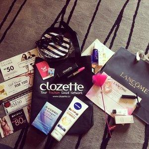 Goodie bags with lotsa good stuff from our sponsors! Hard work with @scotto68  #melvitamalaysia #lancomemy #xixili #sephora #zalora #niveamy #weddingcommy #emelbymelindalooi #clozette #bloggerbabes #bloggerbabesasia