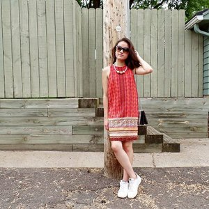 I choose not to complain about the heat today bc @francescascollections lightweight shift dress makes my body breathableee!! #Clozette #franlove #francescas #courtesyof #mnfashion #stpaul #bloggerstyle