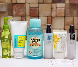 a lot of my readers have been asking me on what to use based on their skin type  so here are a series of my #recommendations based on my experience or these are actual current routines that i have recommended to my family and friends, that are basic, affordable and easy to find.  #skincareroutine for #oily #acne prone teenage skin.  1st cleanse- #innisfree apple juicy cleansing oil  2nd cleanse - #cosrx low ph good morning cleanser  tone - #etudehouse wonder pore toner  moisturize - cosrx oil free ultra moisturizing lotion  sunblock - innisfree exo safety no sebum sunblock  optional step - cosrx bha blackhead power liquid  #youniqbeauty #clozette #beautyblogger #koreanskincare #abcommunity #koreancosmetics #skincare #beauty #asianskincare #asianbeauty #beautybloggerph