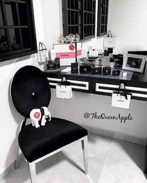 Working for Chanel be like . . .  Changed to the Monochrome theme for my vanity table for the month of November. Last month was Anna Sui. Lol. Don't ask me how many brands of makeup products i own. I came from the beauty industry with a history of over 10 years. #vanitytable #vanitygoals #makeup #skincare