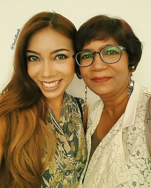 ❤A special one with my fab Mama in her new pixie hairdo, chic glasses and glam earrings. 😍Lovin her new look.  #muotd #fotd #tooface #betterthansexmascara #eyebrowsonfleek #colourpop #ultramattelip #mumselfie #glammom #motherdaughter #vintage #vintagestyle #shabbychic #clozette #ootd #ootdtinspired #fashionblogger #fblogger #lifestyleblogger #lblogger #sgblogger #sgfashionblogger #indianblogger #indianfashionblogger #influencersg #sglife #sglifestyle #igsg