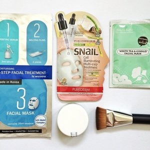 New in: face masks + a backup of my fave sunscreen + a new contour brush ✨ #beauty #skincare #flatlay #flatlays #clozette #beautytools #facemask #contour #contourbrush #sunscreen #instagood #instagrammers #instahaul #instadaily #instabeauty #bblogger #bbloggers #bbloggersph #beautybloggersph #iphoneasia #iphoneonly #igersmanila #igers #photooftheday #picoftheday #bestoftheday