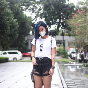 CREEPER x Mask on for flea w @christyfrisbee cos there was a dust fest. #axdelwenthreads #stylexstyle #clozette #afstreetstyle #wearsg #lookbooksg #ootdsg #lookbookasia #ootdmagazine #lotd #igers #vscocamsg #streetfashion #sgigstyle #fashionigers #vscocamsg #igsg #chictopia #stylesg #igersingapore #vscosg #lookbooknu #fashiondiaries #weheartit #fblogger #styleblogger #streetstyle #sgstreetstyleawards #throwback #stylesearch #hairbyxavierleong 📷: @christyfrisbee 💕