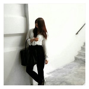 I'm celebrating White Christmas this year! Merry Christmas to you and those who are not celebrating, yay to extra day off 🎄! #clozette #ootd #whitetheme #christmaseve #beautybloggers #fbloggers #instatravel #following #mango #hm #throwback #fashion #minimalist #minimalism #simplicity #chic #december #love #🎅 #🎄 #penang