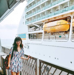 Been away for the last few days onboard a @royalcaribbeansg cruise! Had wifi but for some reason, can't upload anything to Instagram (but able to upload on Facebook?!) so I will be spamming my photos taken over the last few days!  Anyway, my days onboard were spent just chilling, eating and getting fat. It was indeed a relaxing weekend for the bf and I! 😊😊 #clozette #royalcaribbean #royalcarribbeansg #mitsuekitravels #wxdaphcruise