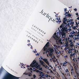 #JurliqueSg Lavender Hand Cream is perfect for avid fans of lavender! Strong whiff of this natural relaxing scent without being too overpowering, hydrating but not sticky.. It's especially ideal for those with really dry hands. I have been using this for a week now and love how soft my hands are as a result. Thank you #Jurlique! x #clozette #bblogger #beautychat