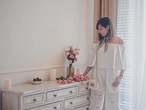 Weekends Whites Full Lookbook on Everestsays.com . . . #clozette ##clozettebloggerbabes . . . . . #ootd #livewithstyle #lbootd #ifbootd #ootdhype  #whatiwore #sginfluencer #streetstyleluxe #clozettebloggerbabes #fashioninsta #sgbeauty #welovecleo #fbloggers #fashionblogger #styleblogger #lifestyleblog #ootdsg #welovecleo #sgootd #ootdcampaign