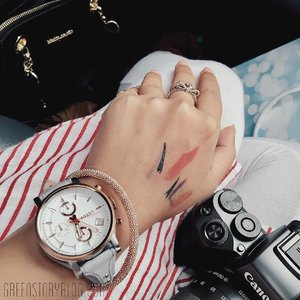 If you see swatchy-hands like this then you know she is a #BeautyJunkie  _____ #bloggerlife #lifeisfun #lifestyle #greenstoryblog
