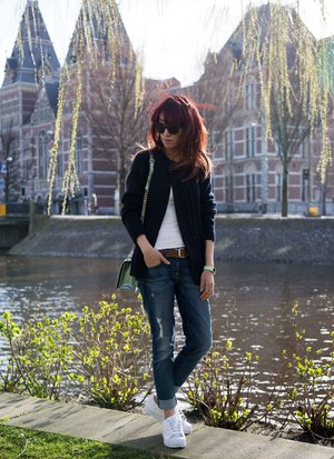 Dior and I In Amsterdam, Spring 2016. Love the sweater weather! More #ootd pictures on my blog now - diva-in-me (dot) com