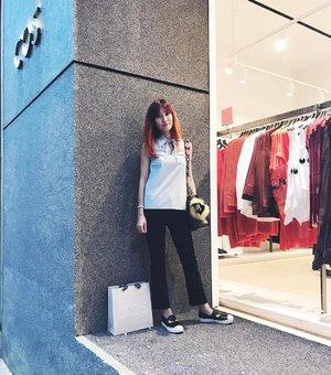 Oops.. someone went #shopping and I wonder where? 🤔 *Photo credit: @justin___yap . . http://liketk.it/2qaws @liketoknow.it #liketkit #ootd #outfit #cosstores #cosmalaysia #fendi #fendimonster #instadaily #instafashion #fashion #streetstyle #divainmefashion #clozette #pavilionkl #newstore #kualalumpur #fashionblogger #blogger