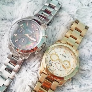 Take your pick. Silver or gold. I'm in love with both actually and each watch are engraved with my Instagram handles, @moonandbunnie and @urhappybunnie ❤️💯 @fossil offers free engraving for most of their watches! 😁 What's your #FossilStyle #FossilDaily #clozette