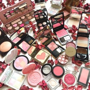 Happy #valentinesday everyone! Just some of my #pink #makeup for the occasion with #rose #potpourri :) these are my #blush, #highlighter and #eyeshadow products! Includes @laneigesg @etudehousesingapore @lauramerciersg @rmkofficial  @givenchybeauty @clinique @cliosingapore @bobbibrown @toofaced @shiseidosg @ettusais_sg @yslbeauty @lancomeofficial @edwardbess @benefitcosmeticssg @stilacosmetics @paulandjoe_beaute @chanelofficial and @kosesg Esprique :) #Clozette #beauty