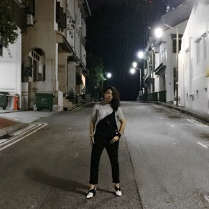 empty bottles and vacant streets // when you're tipsy as but insist on taking an #ootd shot in the middle of the night.  #fashion #fashiondiaries #instafashion #wiwt #outfit #style #streetstyle #outfitoftheday #clozette #travel #traveldiaries #wanderer #barhopping #nightlife #explore #exploresingapore #annsianghill #singapore