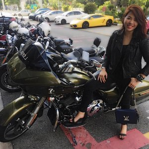 just me and my #harley // couldn't help but bring #louis and the heels along for the ride. much love to @von_tress for having me!  #harleydavidson #motorcycle #motorbike #bikerchick #fashion #fashiondiaries #instafashion #fashionista #clozette #ootd #wiwt #outfit #style #streetstyle #leather #leatherjacket #bikerjacket #aotd #blackisthenewblack #accessories