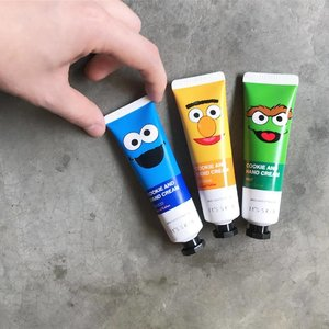 🦁🦁🦁 Next, we have these little 【It's Skin Cookie And Hand Cream】in assorted flavors and characters! . These little squeeze tubes contain moisturizing ingredients such as nut oil, Shea butter and more to soften and smoothen the skin, with additional scent of: • Choco (Cookie Monster) • Banana (Big Bird) • Mint (Oscar) • Not pictured: Original (Elmo) and strawberry (Abby Cadabby) . The Cookie and Hand Cream is already retailing at It's Skin (Bugis Junction & Tampines 1) for $6.90/30ml . . . . . #ItsSkin #ItsSkinSG #ItsSkinxSesameStreet #CookieAndHandCream #CookieMonster #Elmo #BigBird #Clozette #Skincare #SponsoredProduct
