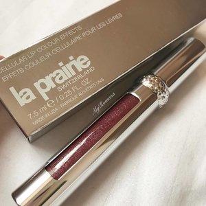 @laprairie lip gloss for this cold winter day . . .  #laprairie #MyRomana #MyRomanaWinter2016 #clozette #makeupjunkie #makeup #beauty
