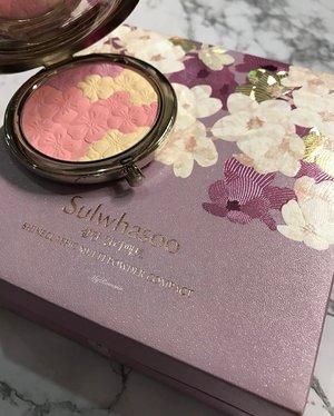 @sulwhasoo.malaysia @sulwhasoo.us @sulwhasoo.official • • • #makeup #MyRomana #clozette #sulwhasoo #sulwhasoomalaysia #beautiful