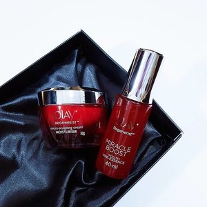 """When it comes to skincare, we all know that it takes time to see visible results. But is it possible to see it in just 5 days? To answer that, our Editor @lystraaaa took the 5-day skincare challenge and put @Olay's new Regenerist Miracle Duo to the test!  Read """"5 Day Skincare Challenge: Will This Skincare Routine Result In Significant Change?"""" on www.clozette.co/insider!"""