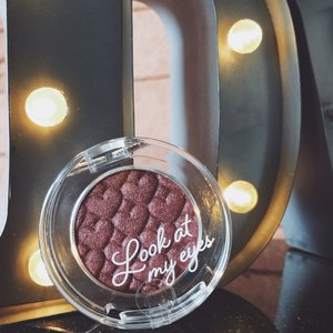 Head over heels for this plum shade eyeshadow  #clozette #clozetteid #bbloggers #blogger #instablogger #instablog #beautyaddict #cosmetics #beautyreview #clozettedaily #etudehouse #eyeshadow #etudehousekorea