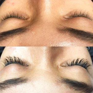 Back to doing lash extension! If you want me to do yours, contact me at admin@kireimakeup.com. Currently only offering this in Canada (GTA, Hamilton & surrounding area). For my Indonesian/Singaporean followers, whenever I'm back in Asia 😘  #kireimakeup #bbloggersca #hamont #sohamont #burlon #ancaster #toronto #clozette #clozetteid