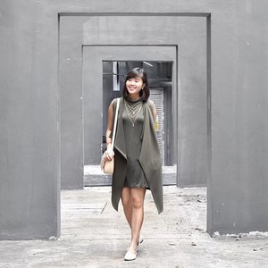 (Repost!) Decided to layer this Olive Green High Neck Tank Dress c/o @romwe_fashion with my vest from @temtsg, and the colours matched up so well! ☺️ More outfit deeds now on my blog, including the link to purchase the tank dress! ☝🏻️😊#clozette #ootd #cassanadverts #romwefashion📸: @chvnx 😘