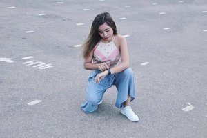 I'm rocking my weekend with my Fitbit HR! @fitbitph 🕐 - - @pilipinasootd #Pilipinasootd #Clozette
