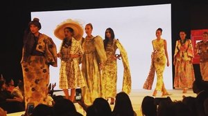 #instagood for 2017! #throwback with @runwaydubai ❤ Full video is up over my blog link on my bio or youtube channel search for TAUYANM 💋 #runwaydubai #dubaimodels #mydubai #dxb #sofitel #dubaiblogger #uaebloggers #followme #dubaifashionblogger #tagsforlikes #f4f #likesforlikes #vscocam #dubai #youtube #vlog #dubaifashionista #emarat  #clozette #fashion #beauty #travel #lifestyle #blogger #igersdubai #igersmalaysia #igersmanila @joppa_couture