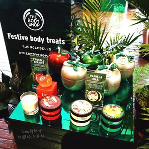 "NEW BLOG POST | 新的博客文章。[Link in Bio] A very ""wild"" Jungle Christmas with @thebodyshopaust! Have a look at all of the beautiful Festive goodies they are offering. 阅读我在这家公司的圣诞活动的畅快体验!我的博客上,有很多都在今年他们提供的圣诞产品的照片!Thank you @ondaydreampr and @thebodyshopaust for having me!! (P.S. you also get to see photos of silly me swinging like a monkey). 链接到我的网站是在我的主页。www.teacupofmakeup.com . . . . . . . . . . . . #makeup #口红 #美容产品 #photographer #luxury #爱 #美丽 #bodyshopfun #specialedition #christmasgoodies #bbloggerau #thelushlife #thingsilike #mua #lipsticks #thebodyshopaust #girl #love #fashion #clozette #prettylittlethings #teacupofmakep #digitalinfluencer #productphotography #博主 #可愛い #junglebells #thebodyshopaust #crueltyfree"