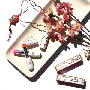 "🌸 桜 Sakura or Plum Blossoms signal the start of a new lunar year 🌸From @shuuemura's Chinese New Year Collection ""Blossoming Beginnings"", here are the Sheer Colour Balms in ""Glow In Pink"" & ""Melt In Red"" 🌸 当我们庆祝新年时,妈妈总是显示一瓶美丽的樱花。这些口红让我想起我家的传统。 Available at @davidjonesstores and @sephoraaus 购买在 