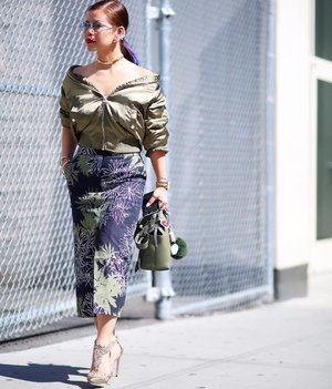 #NYFW day 7. A shade of green and a dash of gold 😍😍 #ootd #Streetstyle