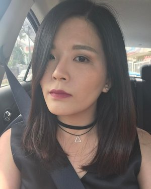 Going for a darker shade of lip colour to attend my manager's wedding today. As usual, putting on my favourite liquid lipstick from @kyliecosmetics in Posie K to match my black dress today. I used the Lip Gel Magic from @kosemy on top of my liquid lipstick today and I am amazed! No lipstain on wine glass at all! 😱 Seriously this product should have been invented long time ago. ☺ ..Wanted to put on the falsies but it dropped before I went out so this is my simple look today. Today I tried out the new @clio_malaysia Kill Cover Conceal-Dation which is a 2-in-1 concealer and foundation product. 👍🏻 Coverage wise? Super good. It can conceal my dark eye circles without using another concealer to conceal my imperfections! 😱 Foundation on the other hand is quite hydrating to my liking. Patted on some No Sebum Mineral Powder from @innisfree_malaysia to create matte complexion. ..P/s: Didn't get to take full #ootd shot today because I can't find people whom can help me to take perfect ootd shots for me. So a #selfie with do yeah? ..#clozette #makeupoftheday #motd #urbandecaymy #innisfreemalaysia #kyliecosmetics #esteelauderdoublewear #esteelaudermalaysia #kosemy #koselipgelmagic #n_stix #nudestix