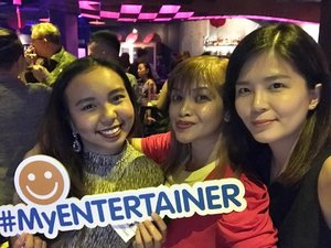 Selfie with @misz_ella and @alizasara  at Entertainer App launch! I have been using this app for two years plus now! Get Buy 1 Free 1 deal from this app! ❤️ #entertainerapp #myentertainer #cheersletsdrink #clozette