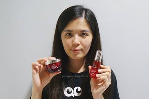 Anybody wants to know my skincare routine at night? I am now using the Olay Regenerist Micro Sculpting Night Cream and Miracle Boost Youth Pre-Essence. 😊 I love how these two products enhance my skincare routine effectively. Apply the Miracle Booster Youth Pre-Essence after the toner and cleanser and followed by Olay Regenerist Micro Sculpting Night Cream and you are ready to go to bed. I like how this combination boosts up the moisture level on my skin and works well to fight against fine lines at the same time. Good products to recommend! #olayregenerist #bestbeautiful #miracleduo #clozette