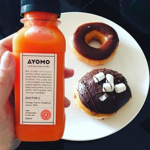 Doctor C! Keep the real doctor away! @ayomo_sg @iloveayomo #krispykremedoughnuts