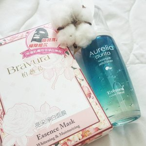 Definitely a Beauty Keeper ! 🐳Aurelia Aurita Moisture JellyToner Intensive hydrating serum w jellyfish collagen😲 🌹Bravura Essence Mask  Whitening, Repair and moisturizing effects🖒🖒 Gonna try soon and share it on my blog!  So stay tune 😚😚😚 #kelynnstory #clozette #samplestore #beautyguru #beautykeeper #sgblogs #sgblog #sgbblogger #sgbeautyblogger #skincare #facialmask #aureliaaurita #bravura #essencemask #skincareregime #jellyfishcollagen #collagenserum #柏薇菈 #bloggers #beautybloggers