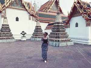 Blending in with all the prints and patterns 😎 #clozetteco #clozette #stylesurgeryblog #ootd #temple #wanderlust #thailand #travel