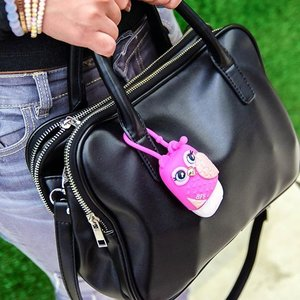 I carry this everywhere nowadays- my favourite Handle Luggage Bag from @zaloramy !👧👜 #zaloramy #clozette #fashionblogger . Don't you think my little owl BFF sanitizer holder from @bathandbodyworks is just so cute? I have one and my BFF has the other ♡ The sanitizer that I got is Raspberry Pink Peony.  #bathandbodyworks #pocketbac