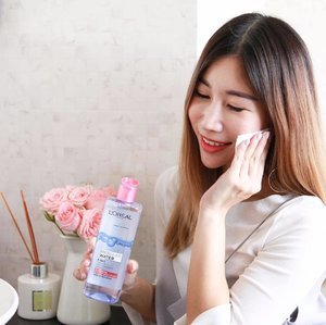 <GIVEAWAY> The NEW #lorealparissg Micellar Water infused with French Rose Extract removes heavy makeup and is 3x gentler on the skin! Do you know roses have therapeutic benefits? Anti-inflammatory properties enable Rose Extract to help minimize redness and soothe irritation – making it ideal for all skin types (even sensitive skin types) because of its calming abilities. This cleanser does not irritate my skin when removing makeup and feels super soothing too! Wish to try this miracle product? All you have to do is share with me why you want to try L'Oreal Paris Micellar Water and tag 2 of your friends, for a chance to win it for you and your friends! #3xgentlermicellar #micellarwithskincareactives