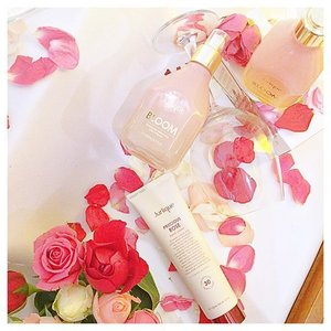 Roses and petals: #Jurlique Celebrates 30 Years Young by introducing limited edition of Precious Rose Hand Cream. We're all well treated with bloom of roses! #beauty #blogger #Clozette #rose #sgigsgigbeauty #bblogger #love #JurliqueMY #sgigsgigbeauty #f4f #l4l #event #throwback #Instagram #Australia #skincare
