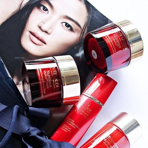 To own a Jun Ji-Hyun's face is never been easy for me. Thank you #EsteeLauderMalaysia for pampering my skin to become hydrated and plump with these new babies, the Nutritious Vitality8™ range, hitting shores this July. #igers #Clozette #ClozetteAmbassador #EstēeLauder #JunJiHyun #Instagram #vscocam #vsco #f4f #l4l #sgig #sgigbeauty #skincare #blog #blogger #beauty #EsteeLauderMY #love #Asian #Singapore #Malaysia