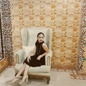. . . . . . #clozette #fblogger #bloggersph #ootdph #ootd #fashionstatement #fashionblogger #fashionbloggerph #stylebloggersph #stylestalker #lifestyle #likeforlike #like #lifestyleblogger #outfitblogger #outfitoftheday #outfits #outfitideas #styleideas #outfitinspo #fashioninsp #styleinspo