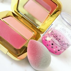 Beauty News Alert! ✨ #BeautyBlender's newly launched younger sister, the #BeautyBlusher is perfectly sized to match apples of the cheeks 🤗, making application of the blush a breeze 💨. My first use was with my favourite #TomFord Bicoastal Sheer Cheek Duo & I was instantly impressed to how easy & flawless the application was. Precision at its best 👌🏼. (Constantly reminding myself that less is more as I'd get too hooked applying blusher with this one 😂..).. ✳️The Beauty Blusher is now retailing for SGD$30 at @SephoraSg 🎀. Go grab yours now!
