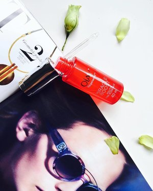 ~~give your skin a boost with this #OlayRegenerist Miracle Boost Youth Pre-Essence, fluid in texture and super lightweight, how's your day coming along, lovelies? Ours not too good as we are down with an upset stomach 😓~~