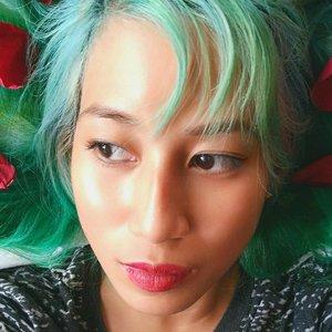 ☀️Today stated really early but I still made time to do my face! 🎨  Lips: ColourPop in Creeper  Eyes: Sailormoon Miracle Romance Eyeliner Cheeks: Ellana Cosmetics Eyebrows: Etude House  #motd #makeportrait #featuremeofh #2instagoodportraitlove #humansmagazine #igpodium_portraits #ftwotww #hotisthenewblack #postmystickpics #cheadsmagazine #arsenic #yumemag #makeup  #beautyblog #beauty  #fashionista #clozette #beautyblogger #makeuptutorial #makeupph