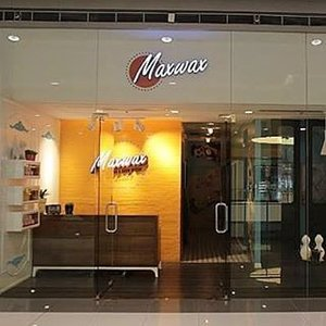 Excited for the Maxwax Ayala Mall branch to open! Deets here at http://juliaantoinette.com/maxwax-opens-ayala-mall-30th/ #Maxwax #clozette #beauty_withme #waxing #nohair #blogger #blogging #blogpromotion #bloggersgetsocial #problogging #bloggerlife #beautyblog #beauty #hugabeauty